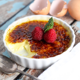 Classic Creme Brulee – The Perfect Make-Ahead Dessert