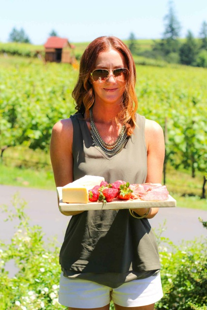 Simple Tips for Packing for a Wine Country Picnic platingsandpairings.com