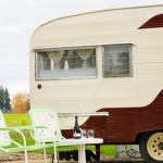 Looking for a great place to say in Oregon Wine Country? Check out The Vintages Trailer Resort in Dayton, Oregon | platingsandpairings.com