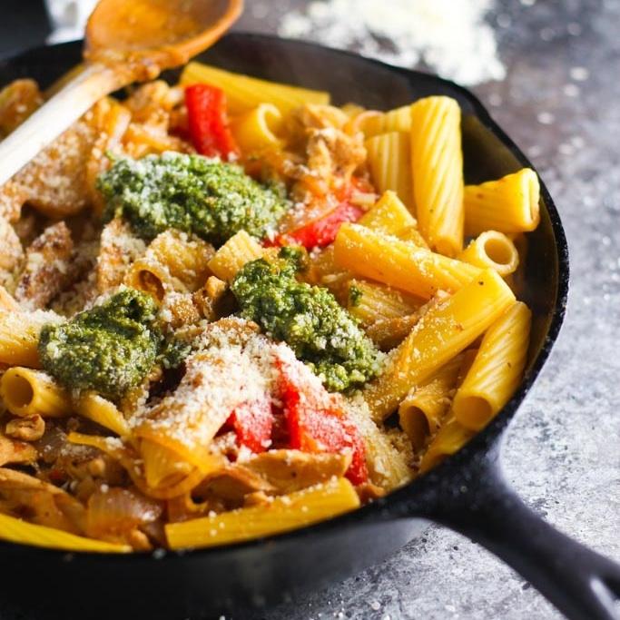 Chicken Rigatoni with Pesto & Caramelized Onions | platingsandpairings.com