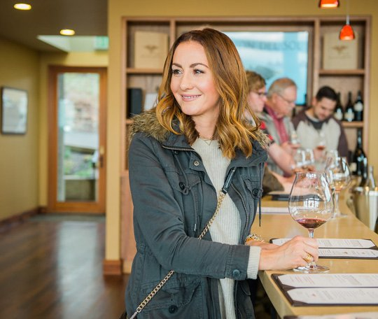 Alexana Winery in Newberg, Oregon, is a quick 30-minute drive from Portland. It's the perfect place to enjoy a diverse tasting of Willamette Valley wines | platingsandpairings.com