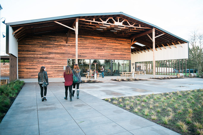 Argyle Winery in Dundee, Oregon is a Sparkling Wine Lover's Dream!   platingsandpairings.com