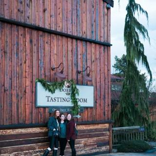 Wine Tasting at Dobbes Estate in Dundee, Oregon #WineWednesday | platingsandpairings.com