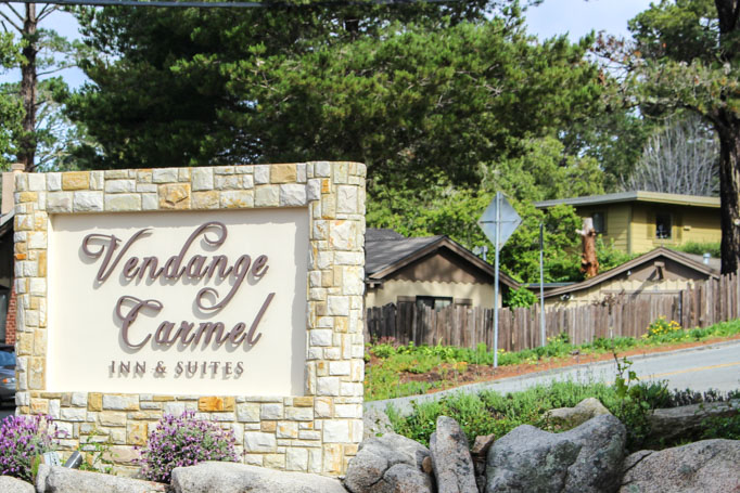 Vendange Carmel - This Wine Themed Inn in Carmel, California sets the scene for the perfect weekend getaway! | platingsandpairings.com