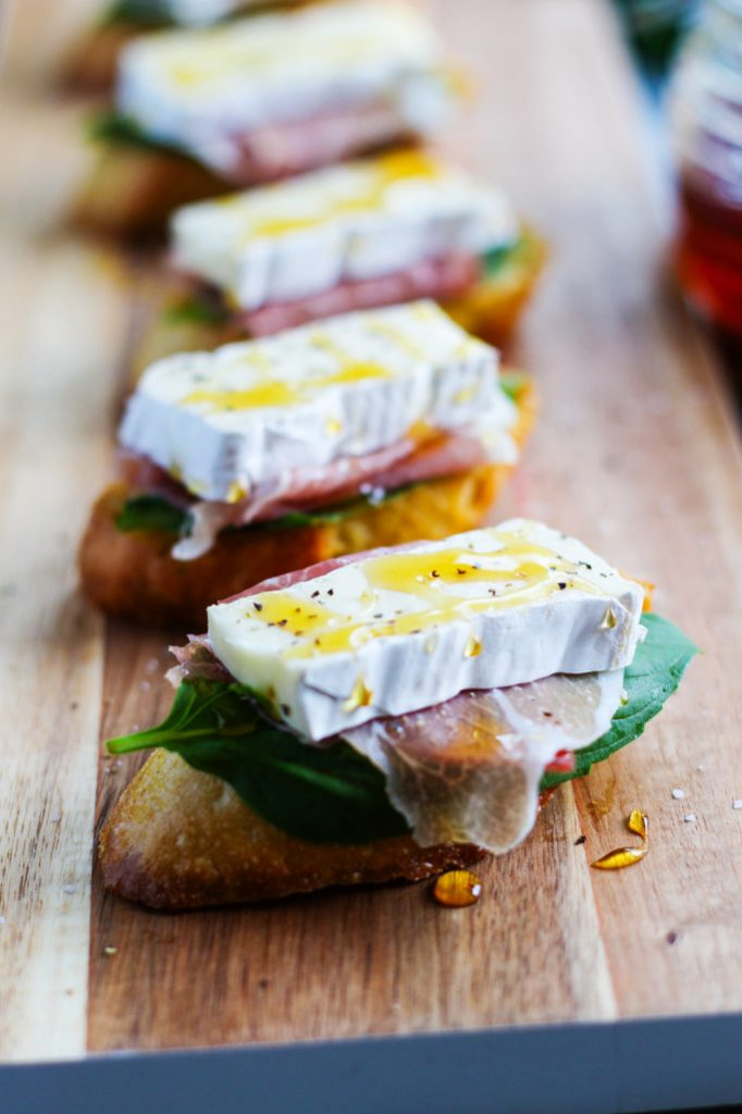 Prosciutto-Basil Crostini Recipe — Dishmaps