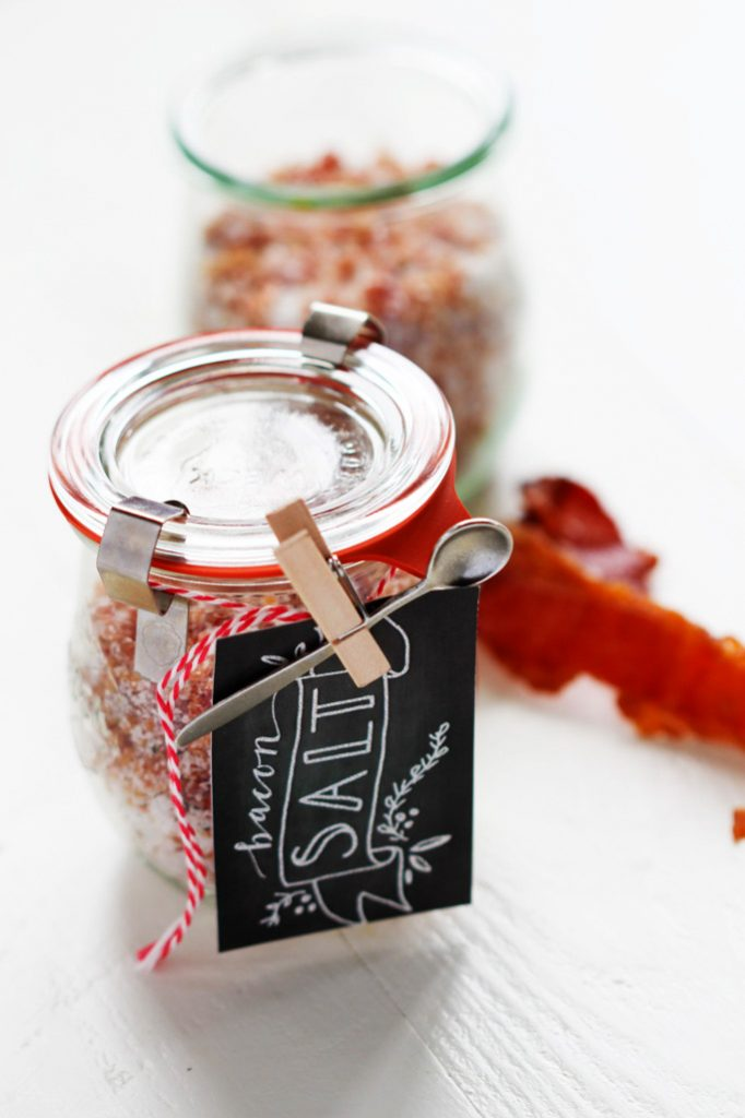 This Homemade Bacon Salt is perfect for sprinkling on popcorn, rimming a Bloody Mary, or finishing off a steak. Plus, it makes a great DIY gift! | platingsandpairings.com