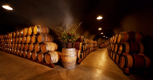 A Perfect Day in Napa Valley consists of fabulous wineries, amazing food & lovely scenery. Here's what to do to make every last second count when you travel to Napa Valley, California.   platingsandpairings.com