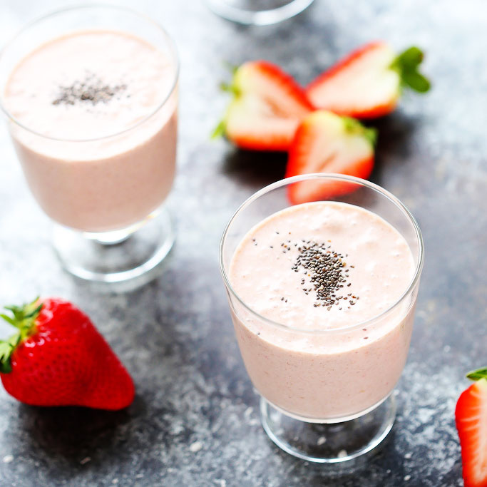 Healthy Strawberry Shortcake Smoothie (Vegan+Dairy-Free ...