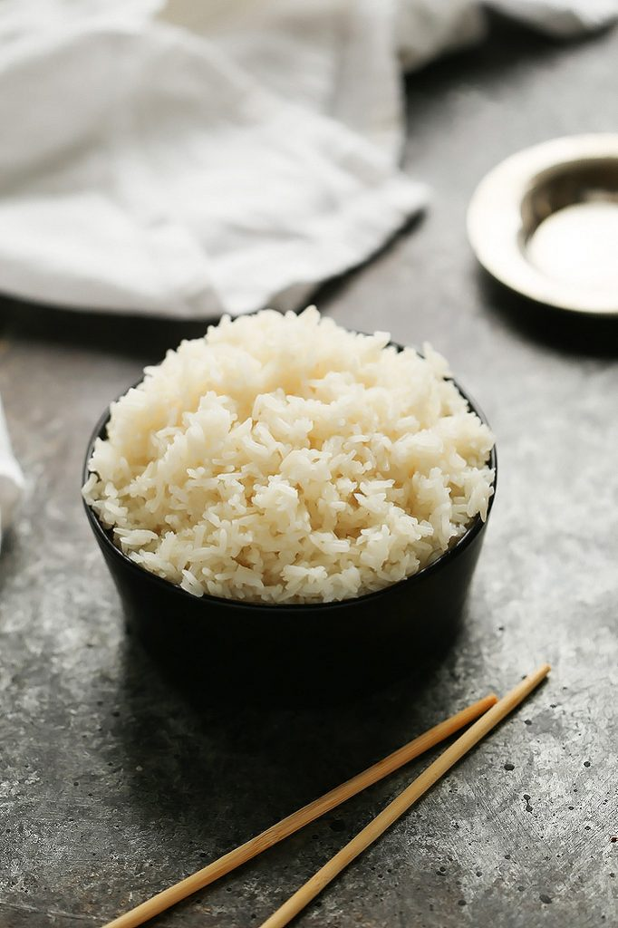 With these easy tips, you'll see it's simple to learn how to cook perfect rice in the Instant Pot with minimal measuring. The result is fluffy and flavorful rice that's easy to prepare. | platingsandpairings.com
