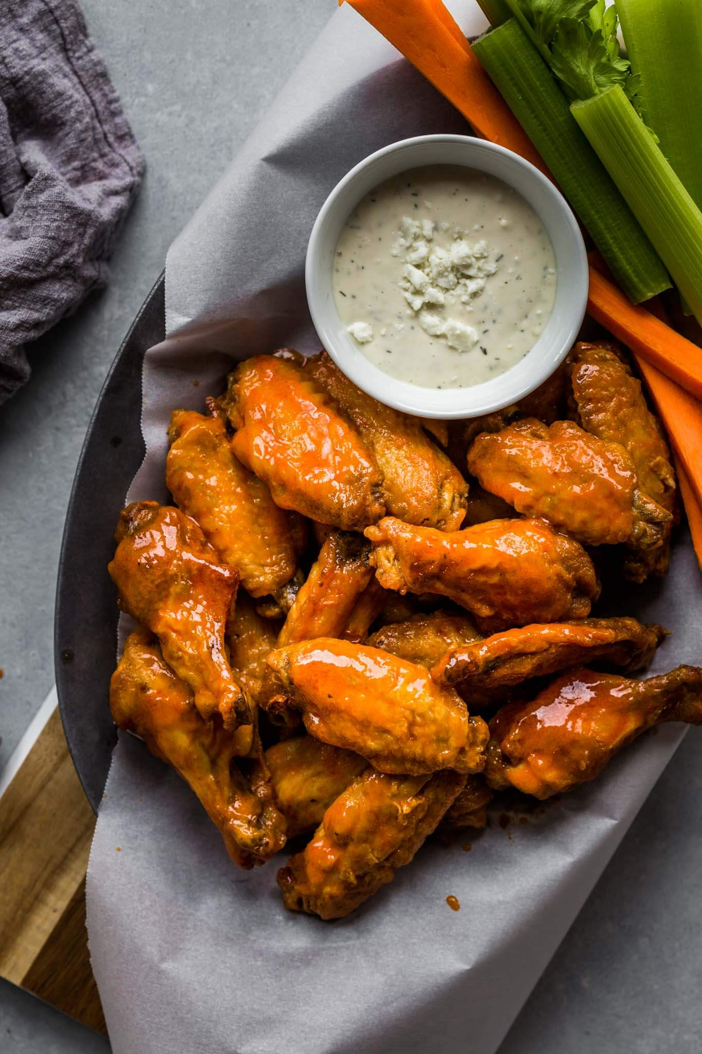 Air Fryer Chicken Wings With Buffalo Sauce Platings Pairings