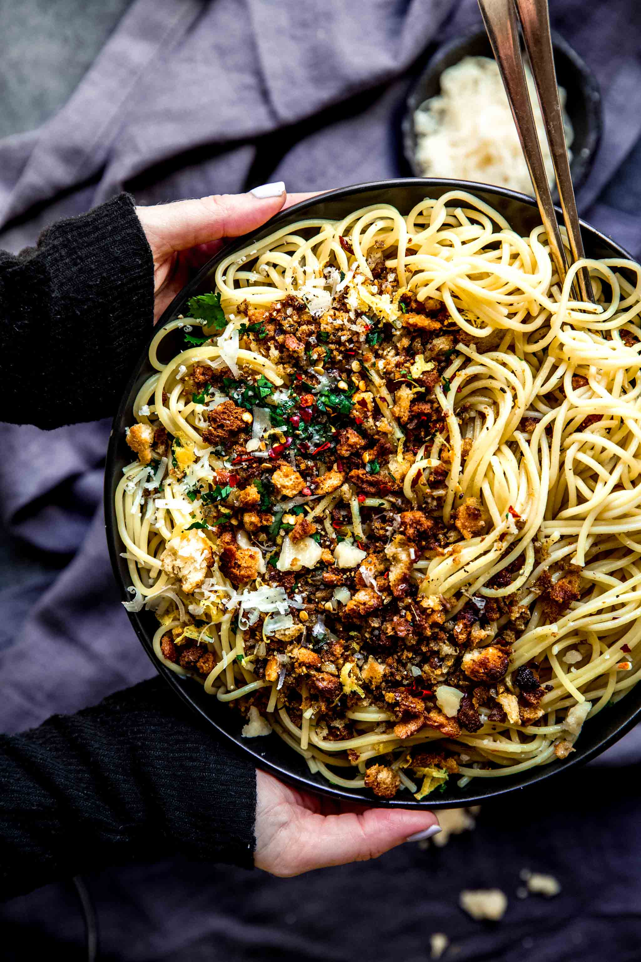 This Spaghetti Aglio e Olio will be on your dinner table in a hurry PLUS it's super budget friendly using ingredients you probably already have on hand.