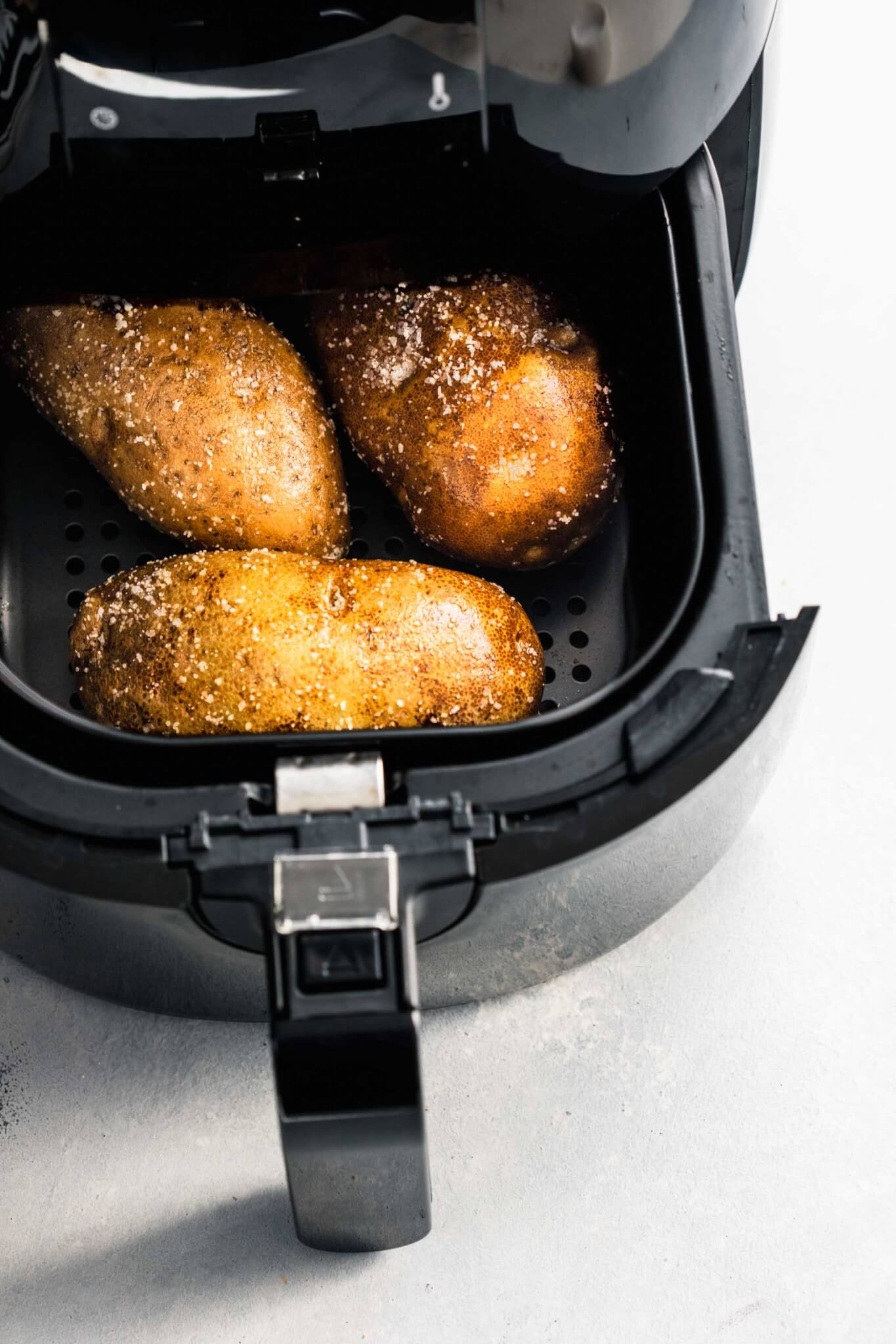 potatoes in air fryer basket